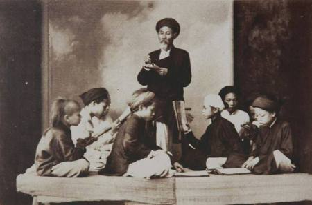 Bức ảnh chụp (kh. 1895 - 1896) của Paul Armand Rousseau