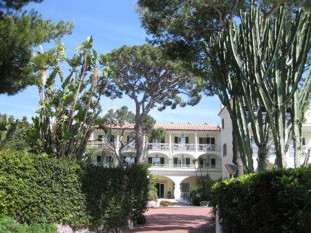 Hotel Hermitage tại Ischia, nơi diễn ra Hội thảo mùa xuân lần thứ 11 về vật lý hạt nhân