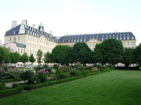 Tòa nhà Hội Thừa sai tại số 128 rue du Bac, Paris