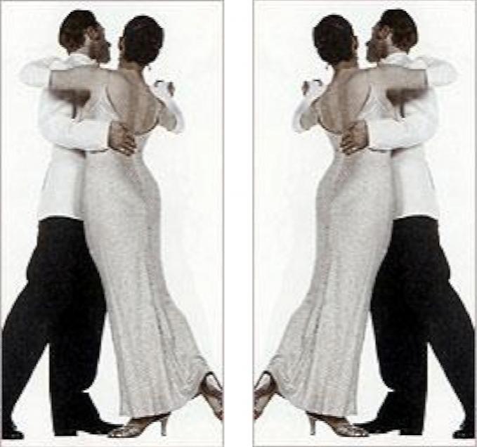 """Trái: Hình gốc từ cuốn """"The Illustrator's Figure Reference Manual"""" (1987). Phải: Hình đối xứng gương với hình gốc mà Jack Vettriano đã dùng để vẽ bức """"Người quản gia hát"""". Đây chính là lý do vì sao tư thế cùa cặp đôi khiêu vũ bị trong tranh của ông bị chỉ trích (vì bị ngược)."""