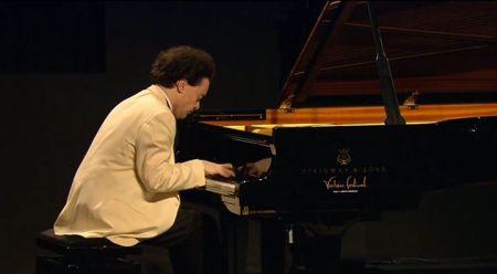Evgeny Kissin (41 tuổi) chơi Mélodie của Gluck-Sgambati tại Verbier festival 26.7.2013 (Nhấn chuột lên hình để xem video clip)