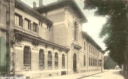 Trường Thuộc địa (ảnh năm 1900), nay là Viện hành chính công quốc tế (Institut International d'Administration Publique) trong l'ENA (École Nationale d'Administration), 2 Avenue d'Observatoire - Paris