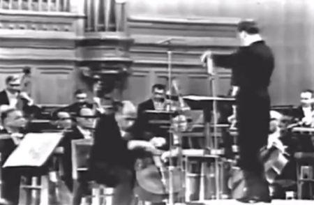 Mstislav Rostropovich công diễn concerto No 2 của Dmitri Shostakovich. (Nhấn chuột lên hình để xem toàn bộ concerto)