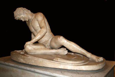 Cái chết của lực sĩ giác đấu Bản sao La Mã cổ đại từ một bức tượng Hy Lạp cuối t.k. 3 tr CN